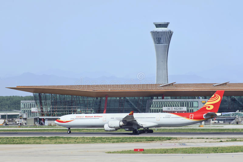 Hainan Airlines Airbus A340-642 B6509 pronto para decola foto de stock