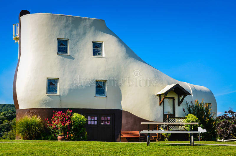 Haines Shoe House - York, PA images stock