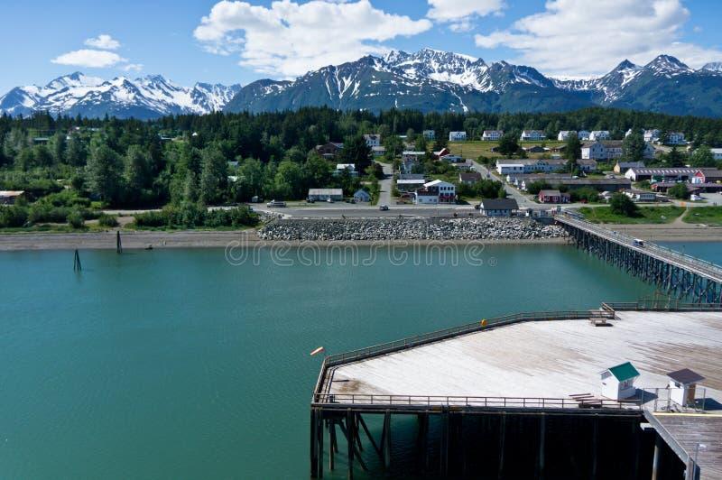 Haines stad nära glaciärfjärden, Alaska, USA arkivfoton