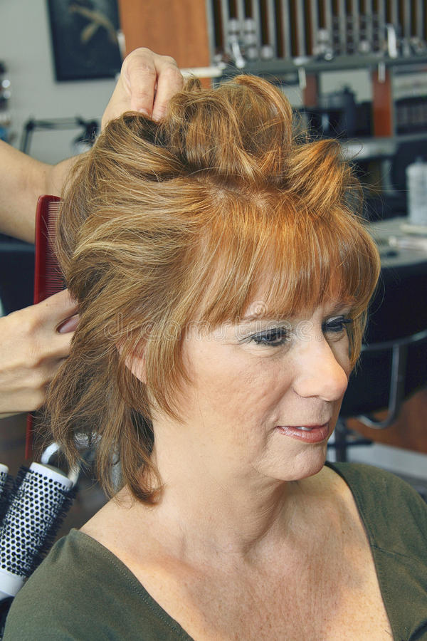 haired medelred för åldrig kvinnlig arkivbilder