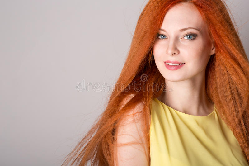 haired rött kvinnabarn royaltyfria foton