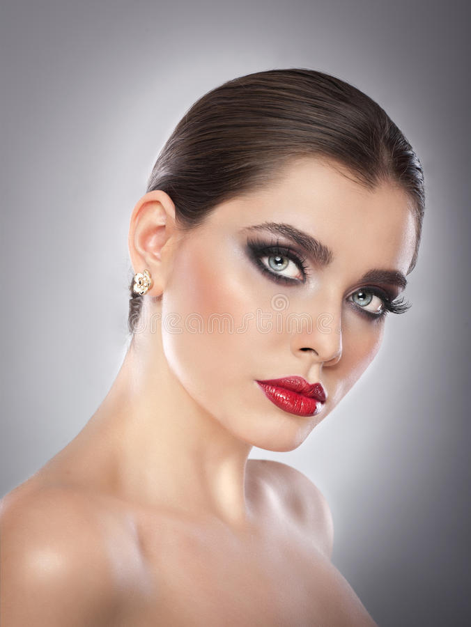 Hairstyle And Make Up - Beautiful Female Art Portrait With Beautiful Eyes Elegance -1786