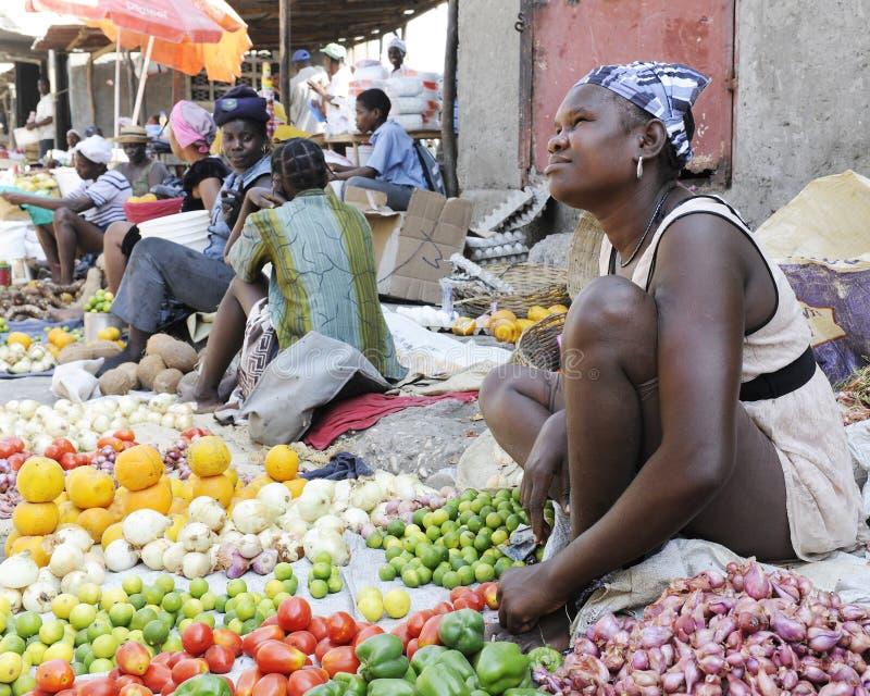Haitira kvinnagatuförsäljare fotografering för bildbyråer