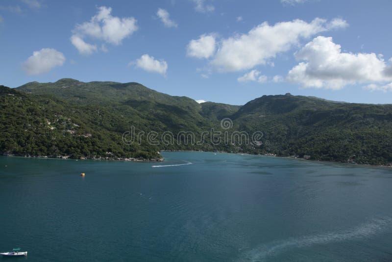 Haitis Träume neuter Meer, Wald & liebenswerte Menschen lizenzfreie stockbilder
