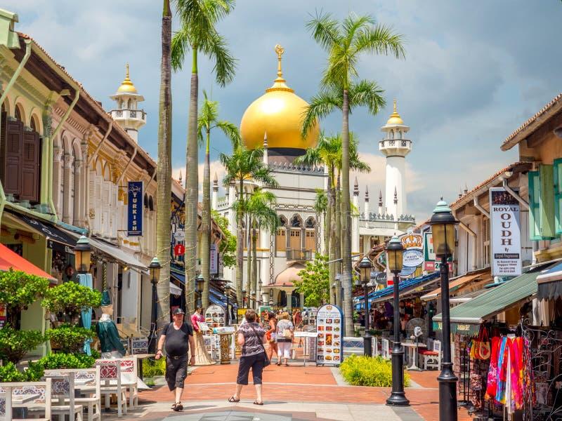 Haji Lane, Singapura 26 de novembro de 2018; Opinião principal a sultão de Masjid na rua de Muscat no encanto do Kampong Quarto á imagens de stock
