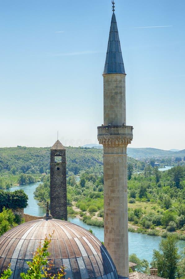 Hajji Alija Mosque em Pocitelj, em Bósnia e em Herzegovina foto de stock royalty free
