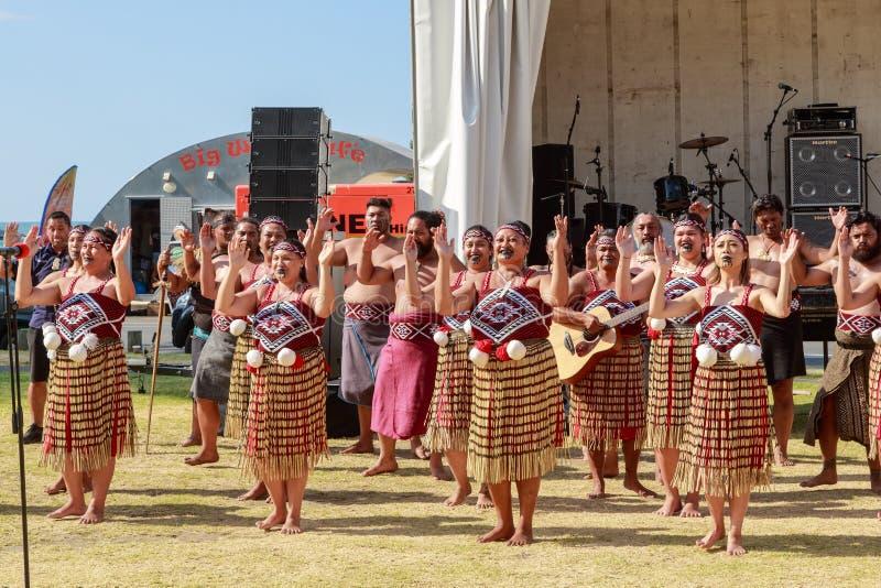 Haka maorí del kapa, o grupo de la danza tradicional, Nueva Zelanda fotos de archivo libres de regalías
