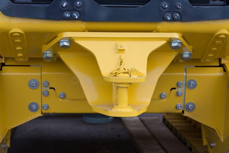 Hake med släpstången av den nya traktoren arkivfoto