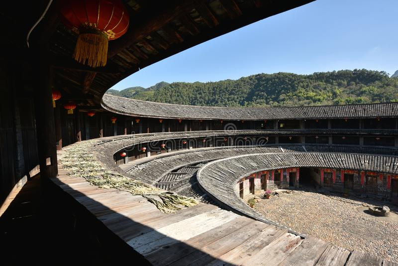 Download HakkaRoundhousetulouen Walled Byn, Meizhou, Kina Redaktionell Arkivfoto - Bild av smutsa, ytter: 106826953
