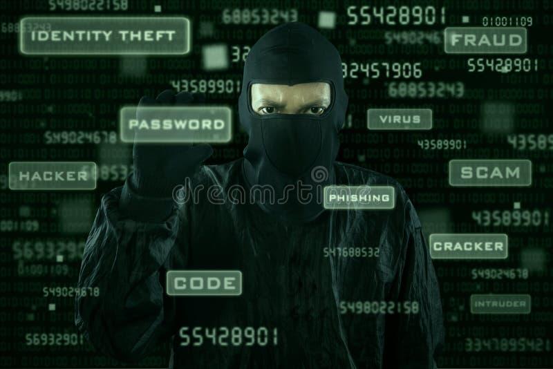 Hakker die wachtwoord van moderne interface nemen royalty-vrije stock fotografie