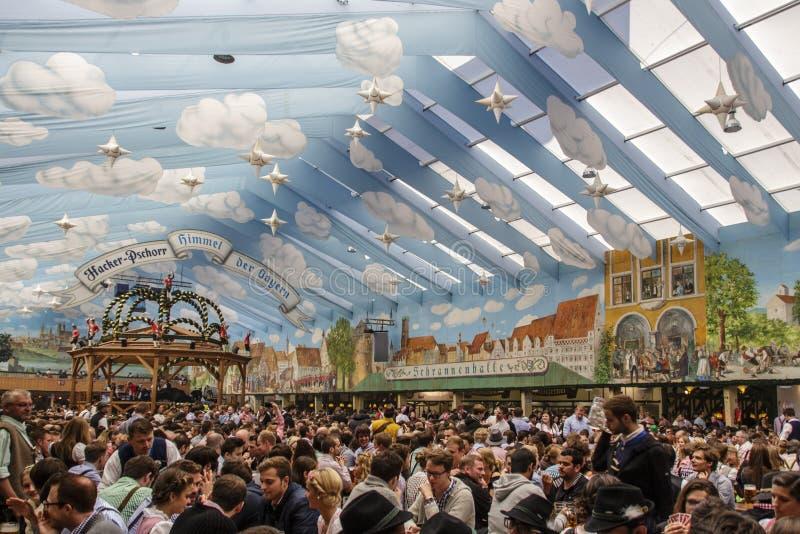 Hakker Festzelt in Oktoberfest in München, Duitsland, 2015 stock fotografie
