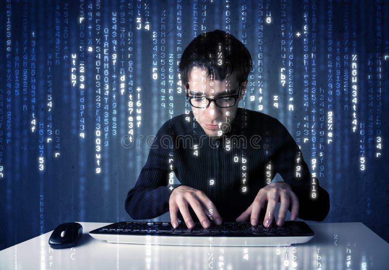 Hakker het decoderen informatie van futuristische netwerktechnologie stock fotografie