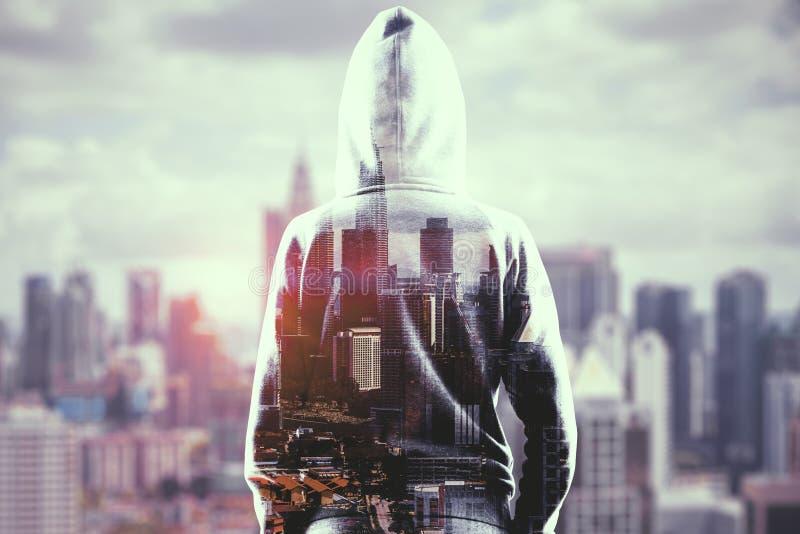 Hakker op stadsachtergrond vector illustratie