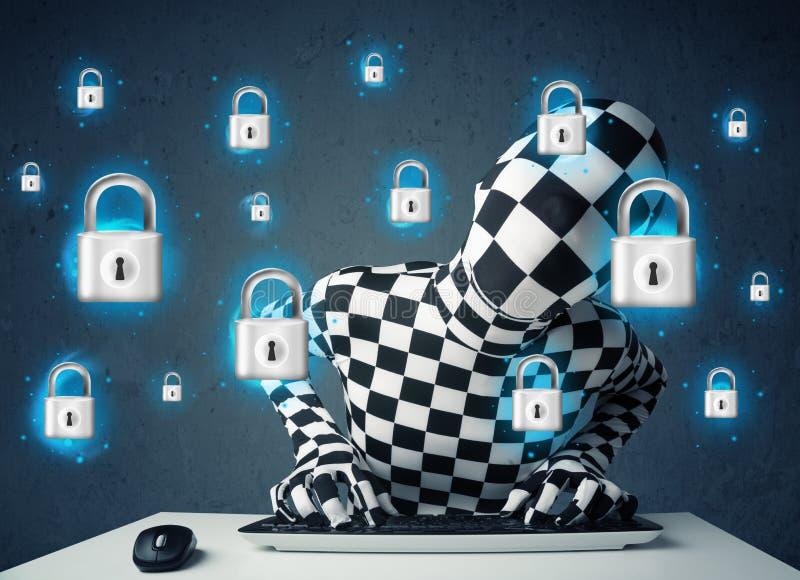 Hakker in vermomming met virtuele slotsymbolen en pictogrammen royalty-vrije stock foto's