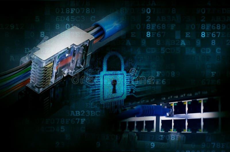 Hakkers, het binnendringen in een beveiligd computersysteem computernetwerken stock afbeeldingen