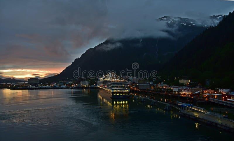 HAL Eurodam i Juneau Alaska royaltyfria foton