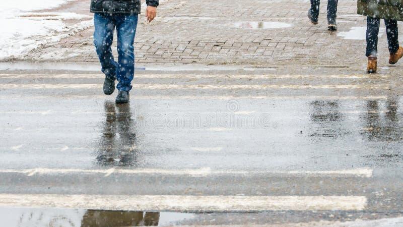Hal trottoar för vinterstad royaltyfri bild
