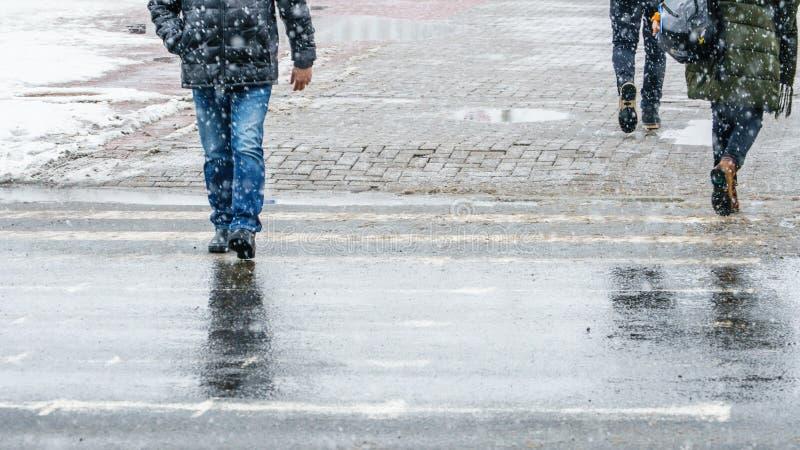 Hal trottoar för vinterstad arkivfoto