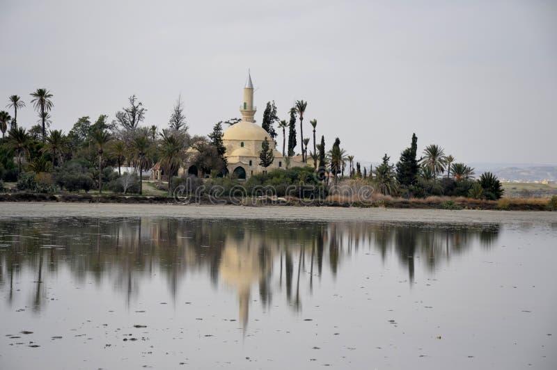 Hala Sultan Tekke i Cypern royaltyfri fotografi