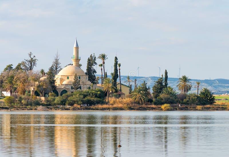 Hala Sultan Tekke Mosque i Larnaca, Cypern royaltyfri foto