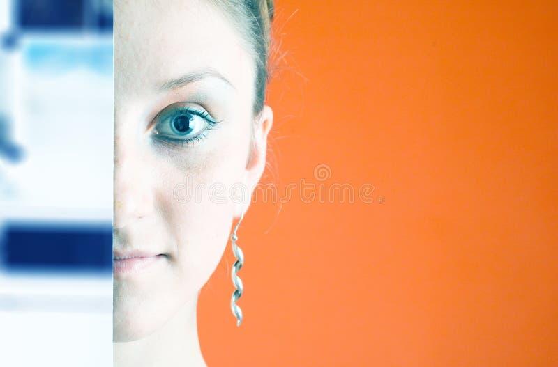 Halb-verstecktes Gesicht 1 stockfotos