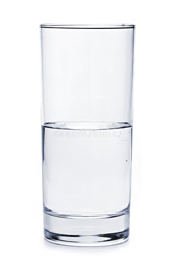 Halb volles Glas Wasser lizenzfreie stockfotos