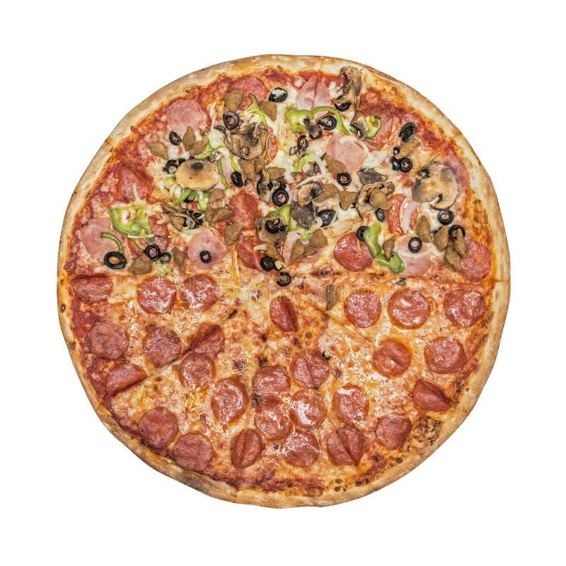 Halbe Pizza Tomatensauce, Käsemozzarella lizenzfreie stockbilder