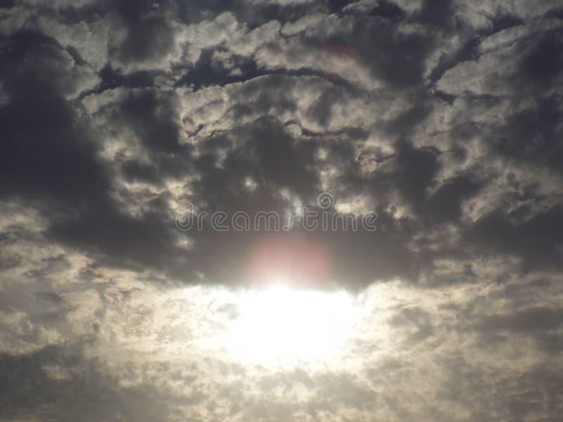 Halbe Sonne stockbilder