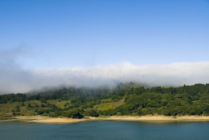 Halbinsel-Nebel-Querneigung lizenzfreie stockbilder