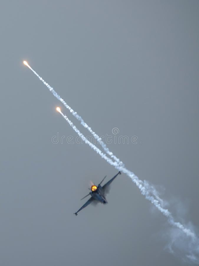 Halcón que lucha del F-16 de General Dynamics, avión de combate multiusos supersónico imagenes de archivo