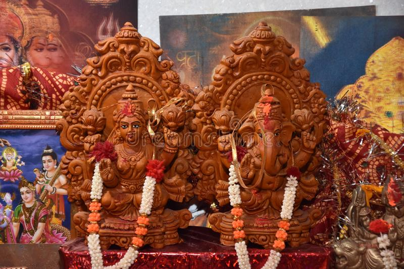 Haldi rasam z indyjskimi bogami obraz royalty free