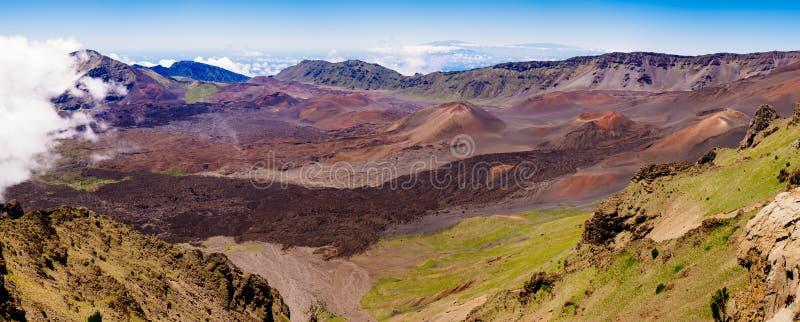 Haleakala火山,毛伊全景风景视图  库存照片
