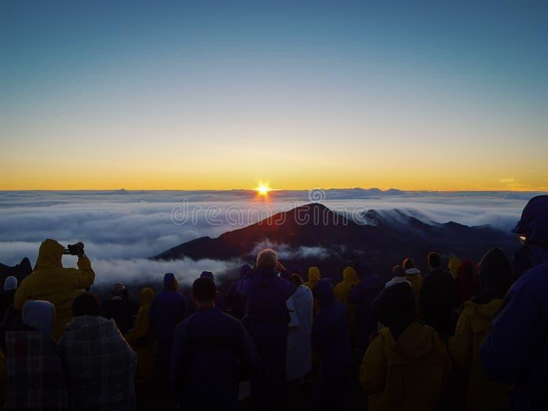 Haleakala soluppgång - Maui Hawaii fotografering för bildbyråer