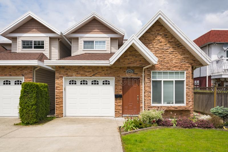 Duplex House Stock Images - Download 1,129 Royalty Free Photos