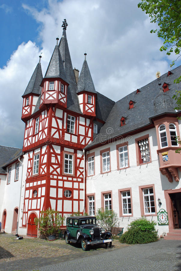 Free Half-timbered House With Antique Car, Rudesheim Am Rhein, Germany Stock Photography - 18498082