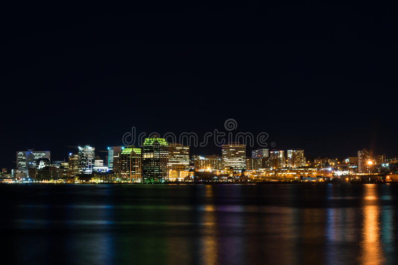 Halifax bij nacht stock foto
