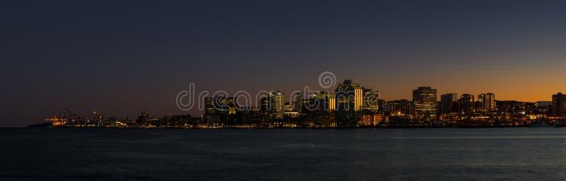 Halifax bij nacht royalty-vrije stock afbeelding