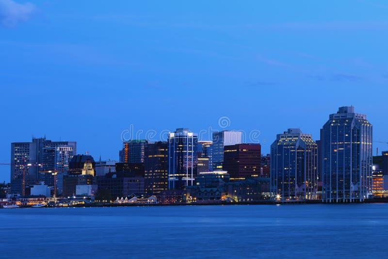 Halifax, Nova Scotia-horizon bij nacht royalty-vrije stock afbeelding