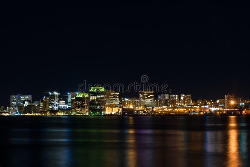 Halifax på natten arkivfoto