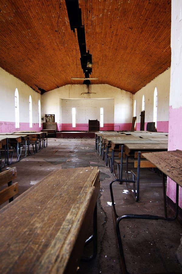 Hall abandonné d'église photo stock
