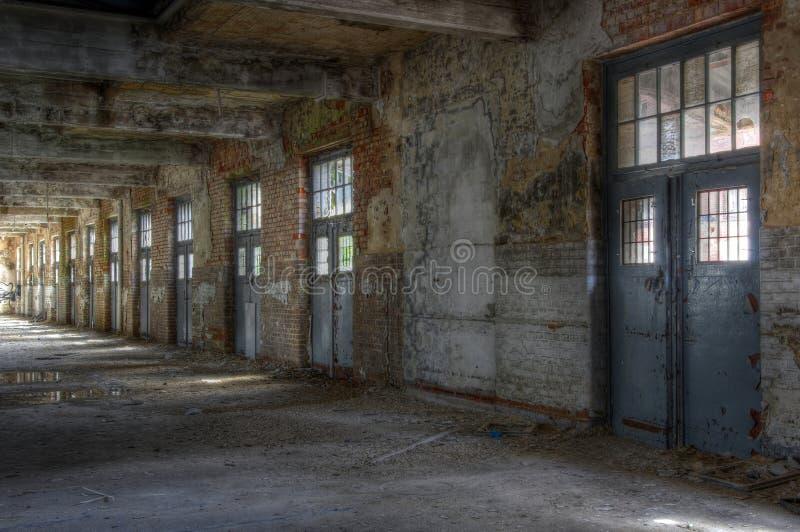 Hall abandonné de courrier images libres de droits