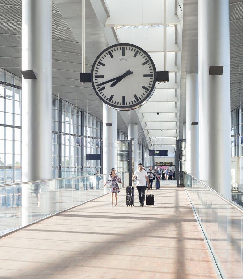 Hall Copenhague d'aéroport de Kastrup de couples images libres de droits