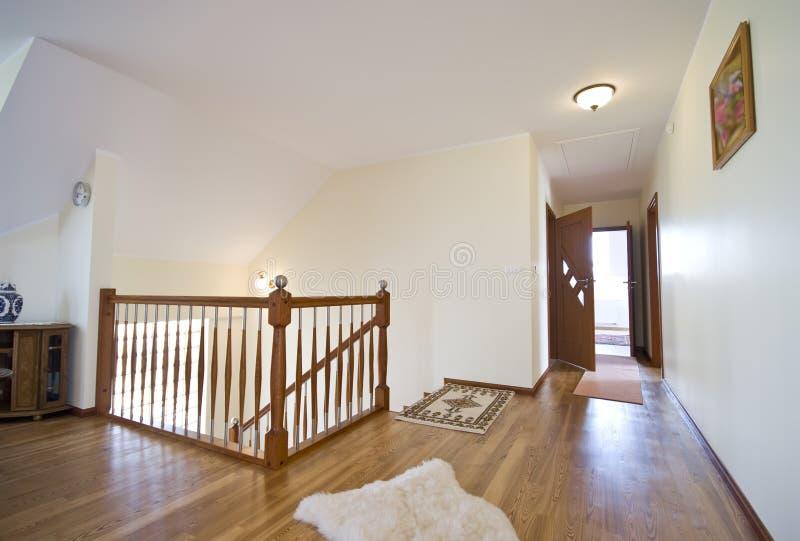 Hall d'étage de bois dur photo libre de droits