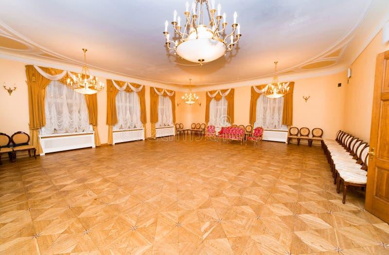 Hall dans le manoir de Malpils photo stock
