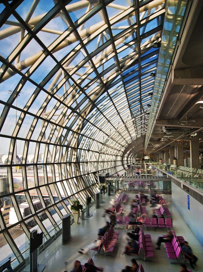 Hall de déviation à l'aéroport photographie stock