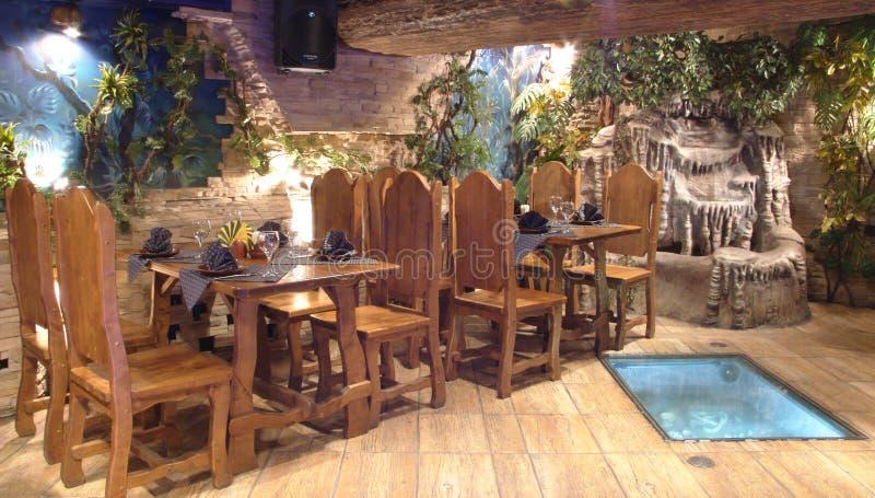 Hall de la taverne. photo libre de droits