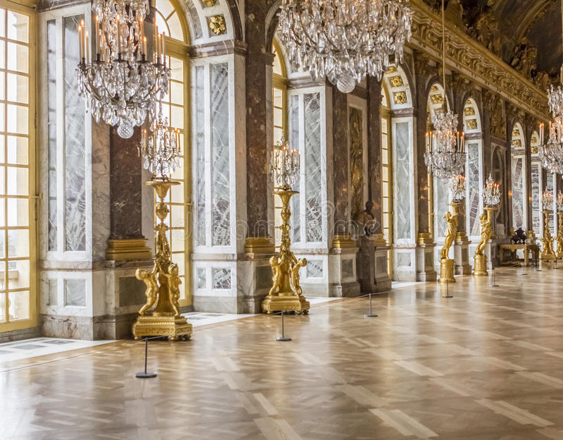 Hall des miroirs au palais de Versailles photographie stock libre de droits