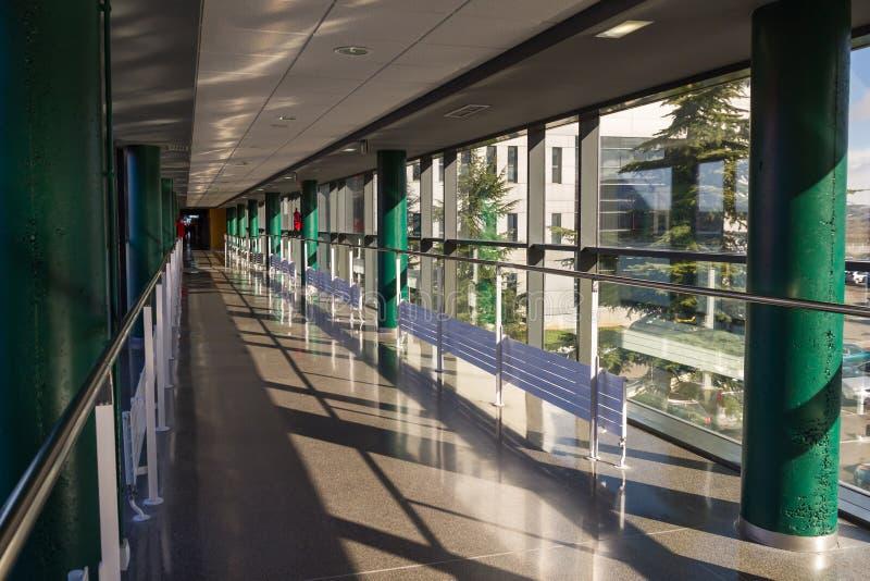 Download Hall Hospital imagen de archivo. Imagen de día, corredor - 41910143