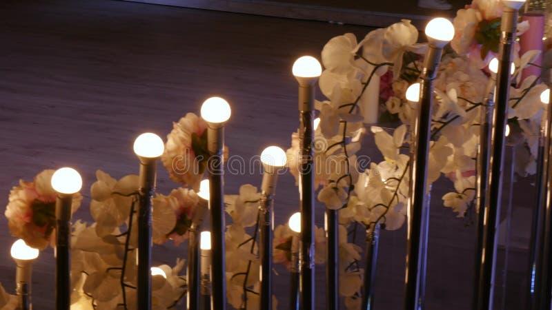 Hall hotel restauracja lub, świecznik w lobby, świecznik wiesza od podsufitowego, kreatywnie, nowożytny, wnętrze zdjęcie royalty free