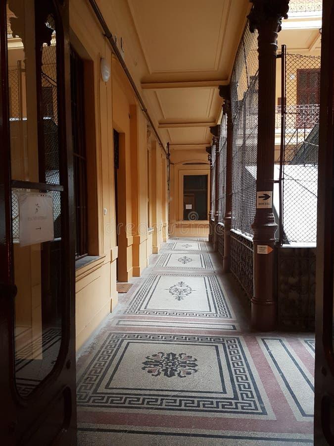 Hall i Budapest byggnad royaltyfri bild